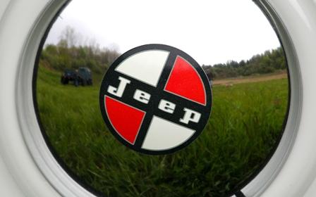 JWW26-jeep-j-12-concept-hub-cap