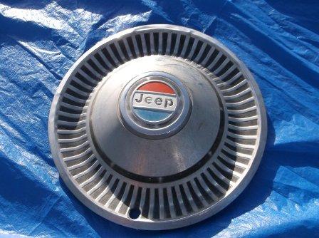 JWW38-78-Jeep-hubcap